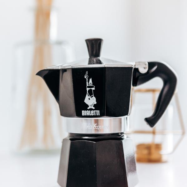 Moka Express 3 Tassen Schwarz Espresso Mobil